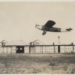 <b>#JeudiArchives • La piste de #Montaudran dans les années 30.  Reconnaissez-vous cet avion ? #AVGeeks...</b>