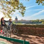 <b>Demain, #visiteztoulouse à vélo !  http://bit.ly/1JUJl7F #Toulouse Photo © D. Vietpic.twitter.com/K...</b>