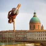 <b>#Toulouse fait sa Comédie ! Voyez la ville en rose avec @MontpellierNow &amp; @VisitezToulouse :)  C...</b>