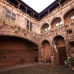 <b>En este edificio de Toulouse, una de las escuelas preparatorias más prestigiosas de Francia, estudió...</b>