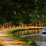 <b>Faire le Canal du Midi à vélo, en bateau, à pied, en voiture… Découvrez notre nouvelle rubrique Cana...</b>