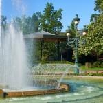 <b>Demain, #visiteztoulouse et son quartier des jardins :  http://bit.ly/2sltmPC #Toulousepic.twitter....</b>