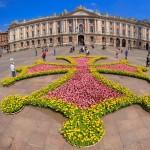 <b>Un jardin éphémère sur la croix #Occitane de la place du Capitole  http://bit.ly/2tdabV3pic.twitter...</b>