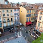 <b>Petit déjeuner coloré. Place des carmes #visiteztoulouse  #villerose #toulouse #occitaniepic.twitter...</b>