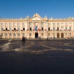 <b>Un jardin éphémère Place du Capitole en hommage à la Croix Occitane</b>