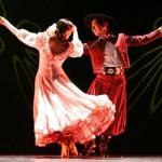 <b>Initiez-vous aux danses traditionnelles d&#039;Argentine ce soir place St Pierre avec @Tangopostale ...</b>