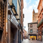<b>Tour de Serta - Rue Saint-Rome #toulouse #visiteztoulouse #patrimoinepic.twitter.com/XGlga8xO3M</b>