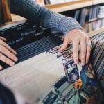 <b>Un comptoir à #vinyles à la Médiathèque José Cabanis !   http://bit.ly/2yEbbpfpic.twitter.com/WJHz4...</b>