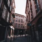 <b>Dans les rues de #Toulouse. #streetandtravel #voyage #streetphotography #visiteztoulousepic.twitter....</b>