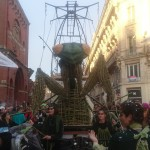 <b>Une mante religieuse dans la ville ! C&#039;est madame carnaval @Toulouse @VisitezToulouse @BleuOcci...</b>