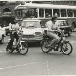 <b>18 avril 1975, ciculation au croisement des allées Jean-Jaurès et du boulevard de Strasbourg Cliché ...</b>