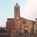 <b>En continuant, de la cathédrale à la basilique. Topoguide en vente à l'office de tourisme à 12,90€  ...</b>
