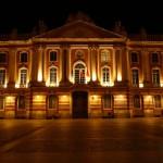 <b>P1 - #EnFranceAussi on a des places qui ont de l&#039;allure ! Le Capitole chez @visiteztoulouse #Ba...</b>