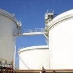 <b>Les agriculteurs bloquent les dépôts de carburant</b>