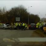 <b>VIDEO. Gilets jaunes à Loudéac : un automobiliste force un barrage</b>