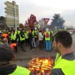<b>La Roche-sur-Yon. Une blessée et une quarantaine d'incidents sur les barrages des gilets jaunes</b>