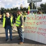 <b>ANALYSE : En oubliant sa jambe (politique) gauche, Emmanuel Macron a engendré les Gilets jaunes</b>