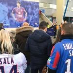 <b>EN IMAGES. Caen-Nantes : l&#039;hommage à Emiliano Sala a commencé hors du stade avec les supporters</b>