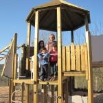 <b>A Domfront, des nouveaux jeux pour les enfants dans le parc du château</b>