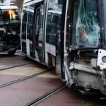 <b>Collision entre le tramway et un camion près de Rouen : cinq blessés, la circulation interrompue</b>