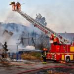 <b>Saint-Fargeau-Ponthierry. L&#039;incendie de la remorque se propage aux anciens entrepôts Leroy</b>