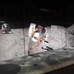 <b>qui est ce ? Une danseuse sur la Lune ? Très gracieuse non ? Merci les astronautes en short @BrilMan...</b>