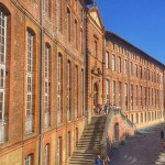 <b>Hôtel-Dieu et sa chapelle #Toulouse  #VisitezToulouse #jep2018pic.twitter.com/KrVKiyVW2f</b>