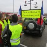 <b>Plus de 400 véhicules manifestent à Lons-le-Saunier</b>