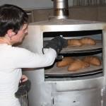 <b>Sud Sarthe : Aude, du commerce au façonnage et à la vente de pain bio</b>