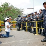 <b>Venezuela : la pression internationale monte contre Maduro après une journée de violences</b>