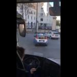 <b>Vidéo. La folle escorte policière italienne fait marrer les Irlandais</b>