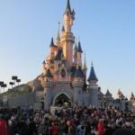 <b>Disneyland Paris recrute 8 000 salariés en 2019</b>