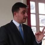 <b>Le maire de Ouistreham convoqué au tribunal après avoir verbalisé des personnes qui aident les migra...</b>