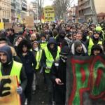 <b>Acte XII des gilets jaunes à Toulouse : un défilé calme, quelques tensions place du Capitole</b>