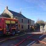 <b>Incendie d'une maison entre Lisieux et Caen : la RD613 coupée à la circulation</b>