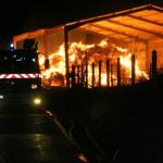 <b>Un bâtiment agricole de 800 m² totalement détruit par un incendie, près de Rouen</b>