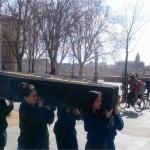 <b>Toulouse. Cercueil en bois, procession funéraire… Ils enterrent la planète</b>