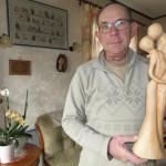 <b>Les incroyables sculptures sur bois d'Alain Viez à Neufchâtel-en-Bray</b>