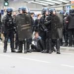 <b>VIDEO. Gilets jaunes : violent face-à-face à Caen entre les forces de l'ordre et les manifestan...</b>
