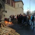 <b>Après l'attentat à la prison de Condé-s/Sarthe, des surveillants bloquent la maison d'arrê...</b>