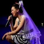 <b>Fresnay-sur-Sarthe : Léa Crevon fait découvrir son One Woman Show musical et explosif</b>