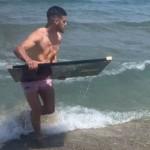 <b>Vidéo. Stade Toulousain : quand Romain Ntamack surfe sur le Brennus en Méditerranée</b>