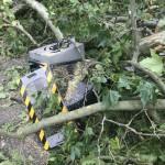 <b>Météo. Insolite : les images impressionnantes d'un radar automatique détruit par l'orage à...</b>