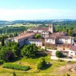 <b>L'abbaye de Boulaur, ses vaches et son verger</b>