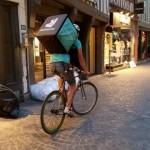 <b>Toulouse veut en finir avec les «comportements dangereux» des livreurs à vélo ou en scooter</b>