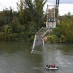<b>Pont effondré à Mirepoix-sur-Tarn : la marche silencieuse réunit plusieurs centaines de personnes</b>