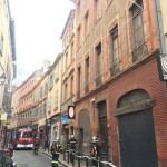 <b>Toulouse. Après l'effondrement du toit d'un bâtiment en centre-ville, quatre immeubles voi...</b>