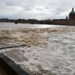 <b>EN IMAGES. Crue de la Garonne, à Toulouse : une partie de l'espace EDF Bazacle sous les eaux</b>