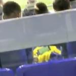 <b>Toulouse. En plein match, un joueur du TFC filmé en train de regarder le Clasico sur son portable</b>