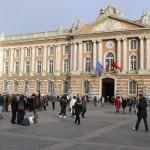 <b>Nouvel An. À Toulouse, un noctambule agressé par trois individus sur la place du Capitole</b>